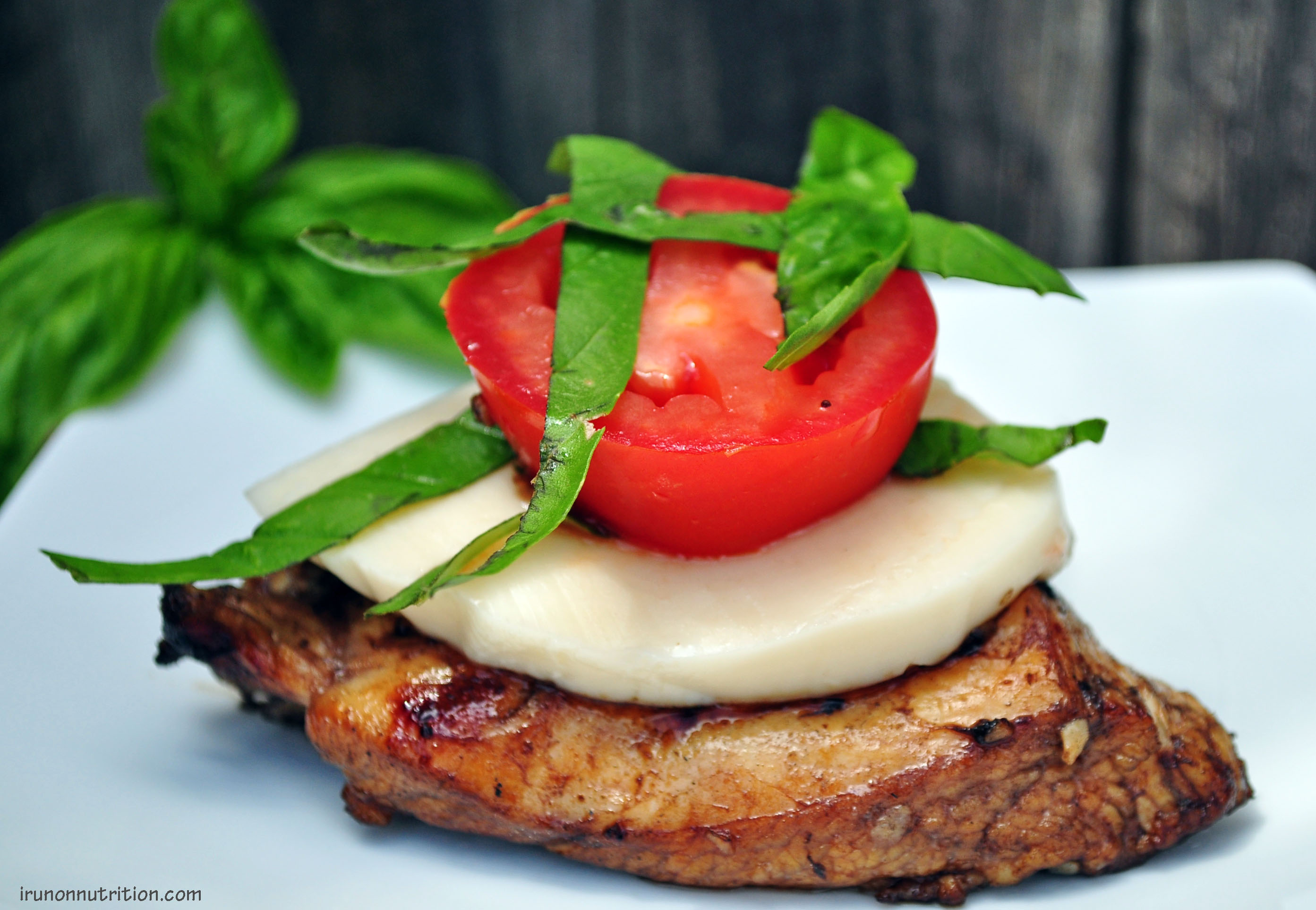 Grilled Chicken Caprese | i.run.on.nutrition