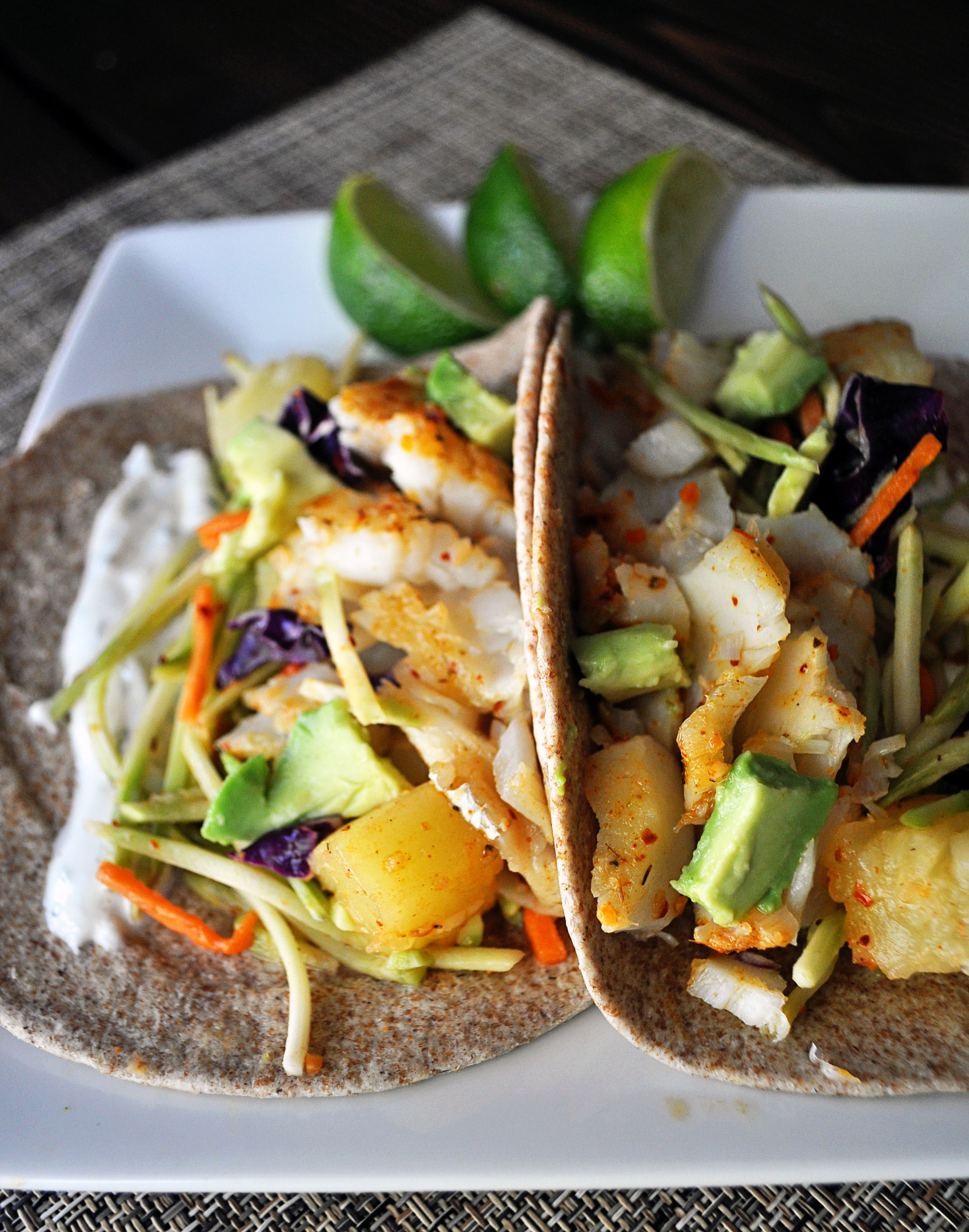 Sweet spicy fish tacos for Spicy fish taco sauce